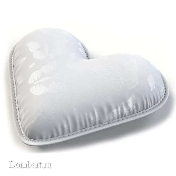 Мягкая-декоративная-подушка-в-форме-сердца