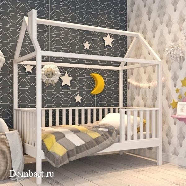 Детская-кровать---домик,-крашеная